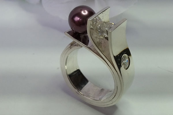 Sterling Silver Ring w/Cubic Zirconia & Black Fresh Water Pearl, made by Vancouver Island jewelry maker European Goldsmith