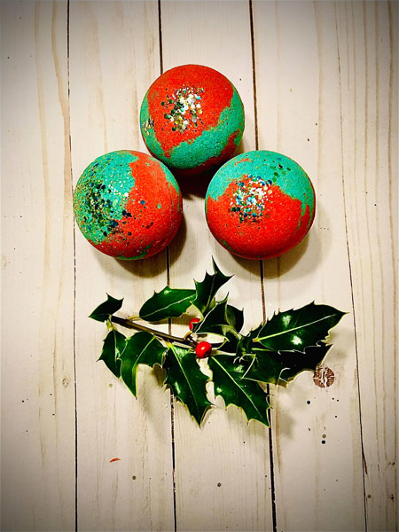 Christmas glitter bath bombs made on Vancouver Island in Parksville